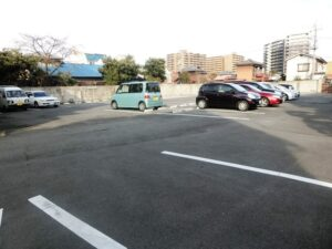 すえひろ山田駐車場